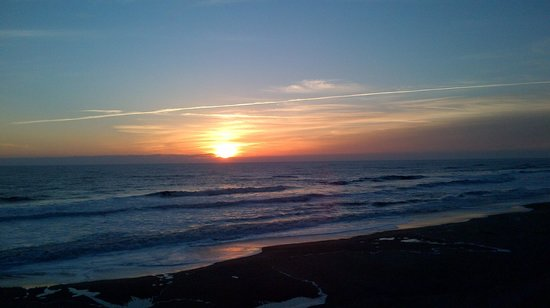 Comfort Inn South Oceanfront: And previous stay sunrise from the balcony of a suite