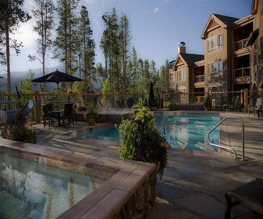 BlueSky Breckenridge: Hotel Exterior