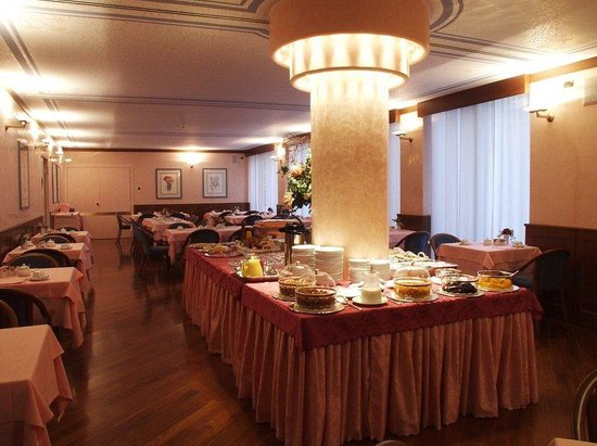 Crivis Hotel : Breakfast Room