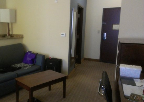Comfort Suites Waxahachie:                   Looking toward the door.