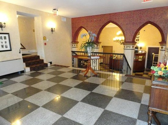 General Francis Marion Hotel: Mezzanine