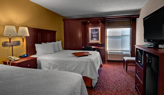 Hampton Inn & Suites Williamsburg-Richmond Rd.: 2 Queen Bed Standard Room