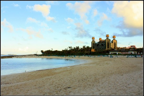 "Atlantis Royal Towers, Autograph Collection: Plage "" the cove """