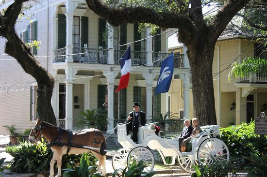 The Degas House : New Orleans Carriage Ride