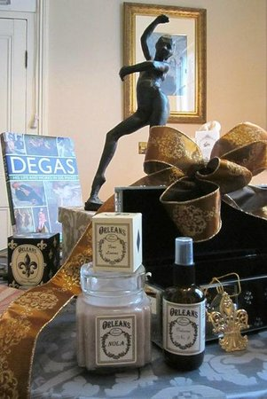 The Degas House: Degas House Gift Shop