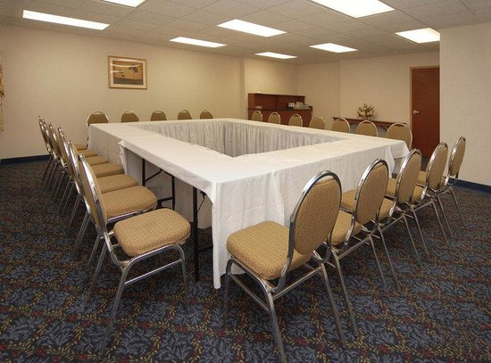BEST WESTERN PLUS Burlington Inn &amp; Suites: Meeting Room