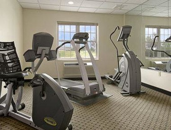 ‪‪Baymont Inn and Suites Milwaukee/Grafton‬: Fitness Center‬