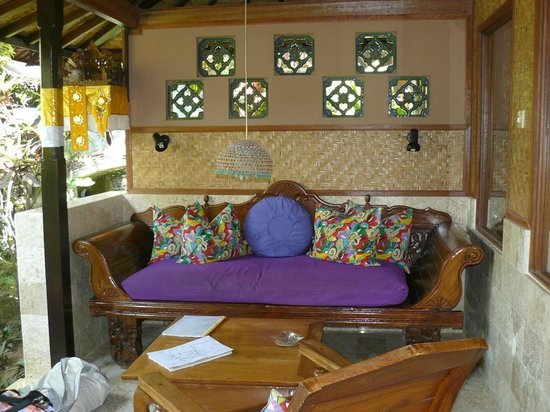 Guci Guesthouses: Patio