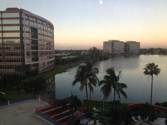 PULLMAN Miami Airport hotel: View from room