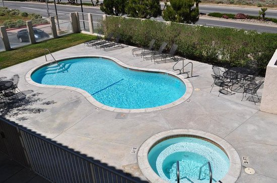 BEST WESTERN PLUS John Jay Inn & Suites: Pool