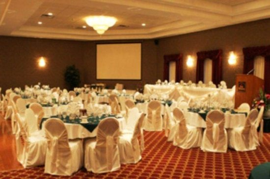 ‪‪BEST WESTERN PLUS Cobourg Inn & Convention Centre‬: Ballroom‬