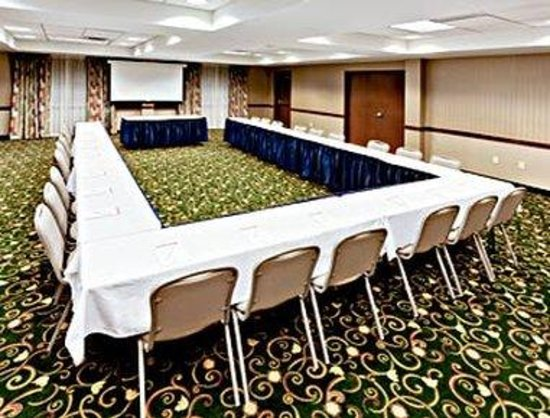 Hawthorn Suites by Wyndham Louisville East: Meeting Room