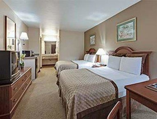 Hawthorn Suites by Wyndham Napa Valley: 2 Queen Bed Room