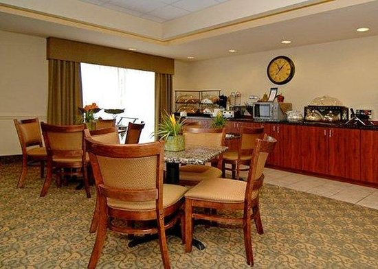 Comfort Inn & Suites Fort Myers: Restaurant