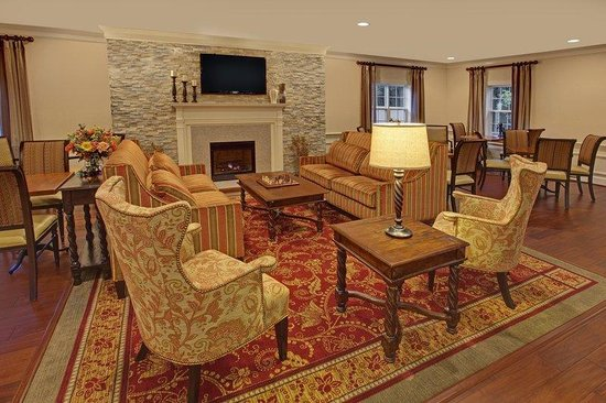The Wayside Carriage House Inn: Lobby