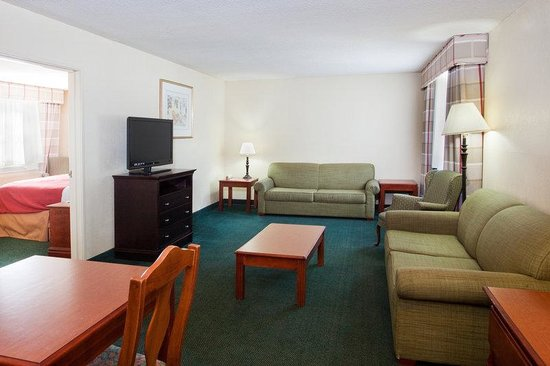 Country Inn & Suites Hiram: CountryInn&Suites Hiram  Suite