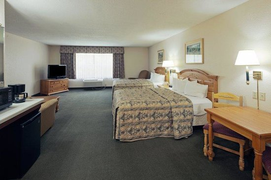 CountryInn&amp;Suites Platteville Suite