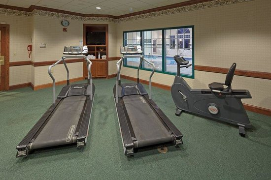 Country Inn & Suites by Carlson _ Fond du Lac: CountryInn&Suites FondDuLac FitnessRoom