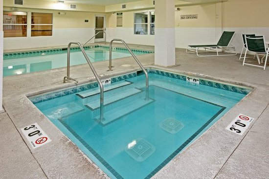 Bensenville, IL: CountryInn&Suites OHare South  Pool