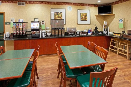 Bensenville, IL: CountryInn&Suites OHare South  BreakfastRoom