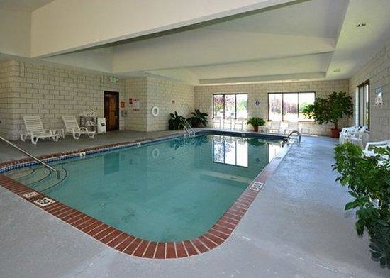 Comfort Suites: Indoor Heated pool