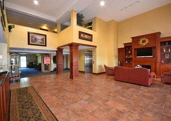 Comfort Suites: Lobby