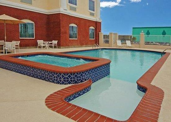 Comfort Suites Galveston: Pool