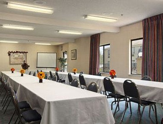 Yadkinville, NC: Meeting Room