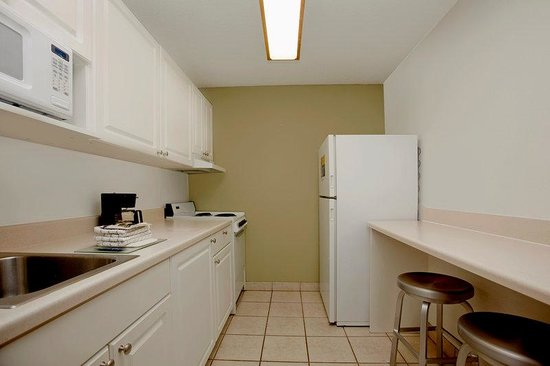 Extended Stay America - Richmond - Innsbrook: Fully-Equipped Kitchens