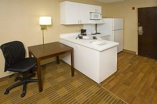 Extended Stay America - Durham - University: Fully-Equipped Kitchens