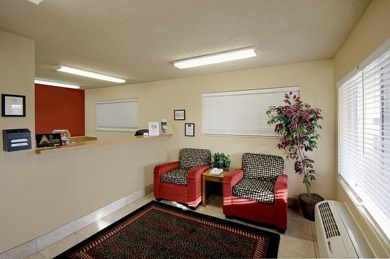 Extended Stay America - Albuquerque - Airport: Lobby and Guest Check-in