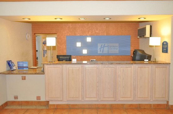 Holiday Inn Express Santa Fe Front Desk