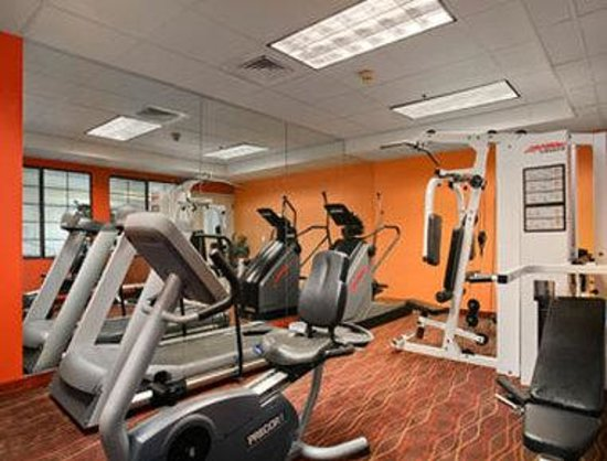 Red Lion Inn & Suites Denver Airport: Fitness Center.
