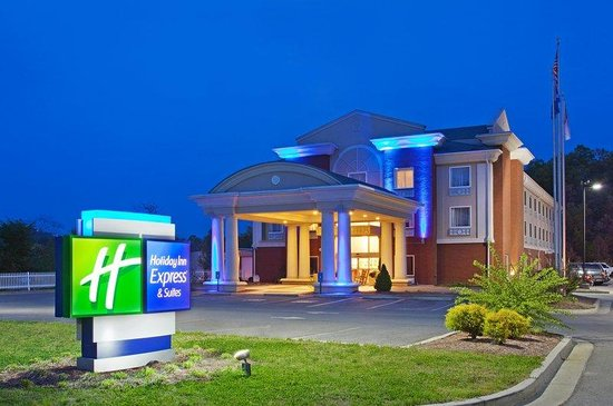 Holiday Inn Express Suites Murphy: Hotel Exterior