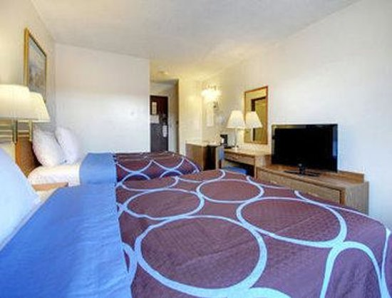Moberly, MO: Two Bed Guest Room
