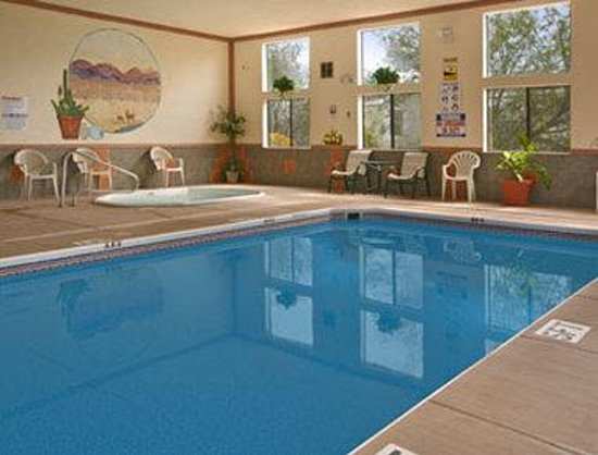 Super 8 Camp Verde: Seasonal Indoor Pool  Spa