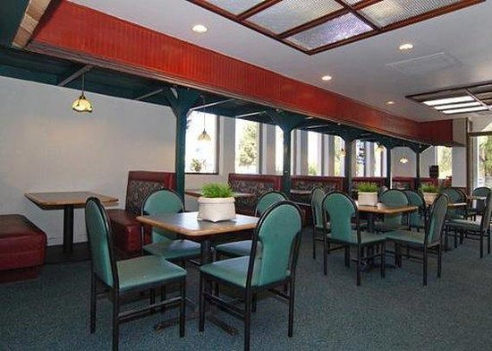 Quality Inn Airport SeaWorld Area : Restaurant 