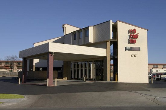 Red Roof Inn Tulsa: Inn Exterior