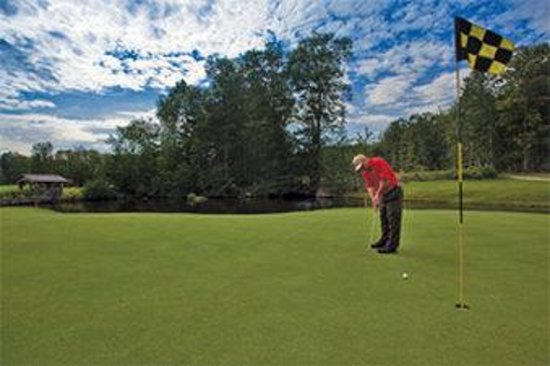 Crotched Mountain Resort &amp; Spa: Golf Course