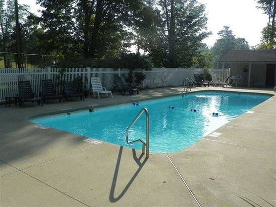 Francestown, Nueva Hampshire: Outdoor Non-Heated Seasonal Pool