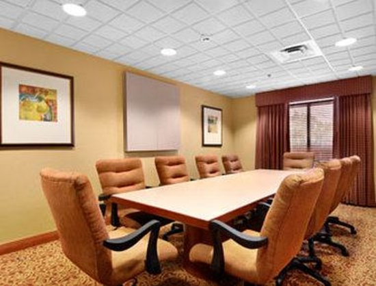 Wingate by Wyndham Kennesaw: Boardroom