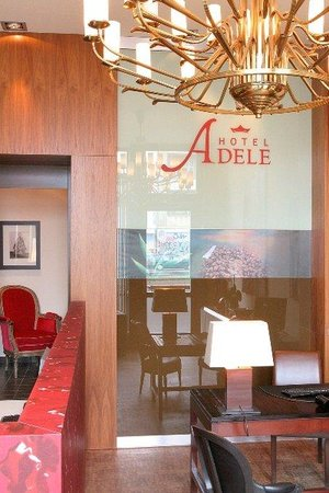 Adele Hotel: Reception