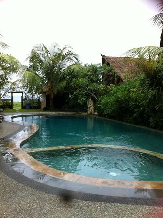 Balangan Sea View Bungalow:                   pool
