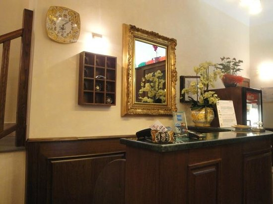 Hotel Santa Croce: Reception