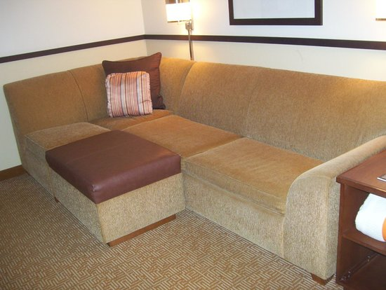 Hyatt Place Tampa Airport/Westshore: sofa