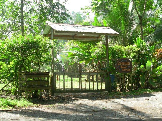 Chimuri Beach Retreat: The Front Gate