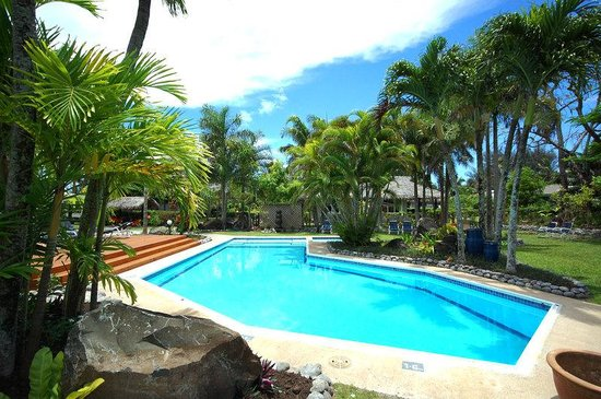 Lagoon Breeze Villas: Pool