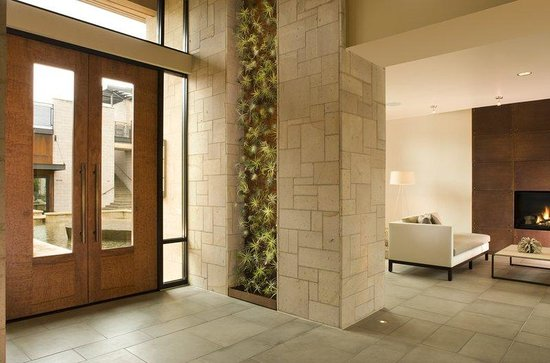 Bardessono: Interior Entry Living Wall