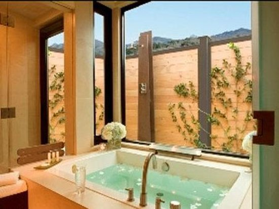 Yountville, CA: Spa Suite Bathtub