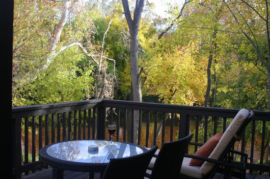 L'Auberge de Sedona:                                     Our deck - Creekside Cottage